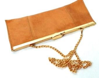 Vintage 60s 70s Handbag in Retro Mustard Brown Leather Clutch Purse
