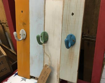 Reclaimed Wood 3-Hook Coat Rack
