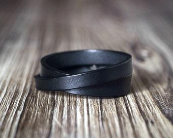 Minimalist double length leather bracelet - BLACK - unisex style - men's bracelet - Women's bracelet - Black leather bracelet