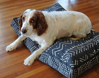 Black and White Mud cloth Designer Dog Bed Cover, Pet Bed, Dog Beds, Machine Washable Handmade Dog Bed, Dog Bed, Pet Bedding, Boho dog bed