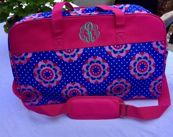 Girl's travel overnight bag, personalized / girl weekender bag/ embroidered girls travel bag/ girl suitcase