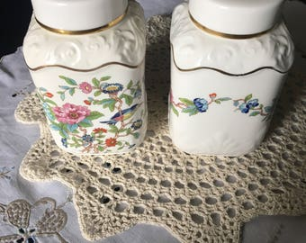Pair of Aynsley ginger jars  / pembroke repro of an eighteeth century aynsley design