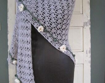 Stola crochet handmade with daisies