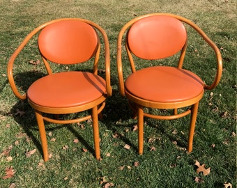 SALE: Pair of bentwood Thonet style chairs