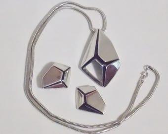 Trifari Kunio Matsumoto Silver Tone Black Enamel Jewelry Set Necklace Earrings Clip on Earrings Trifari Jewelry Kunio Matsumoto Jewelry