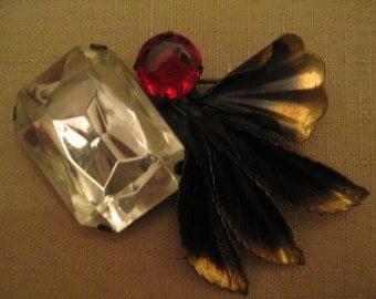Un Worn Vintage Huge Lucite Rhinestones Brushed Antiqued Brass Tone Leafs Flower Brooch