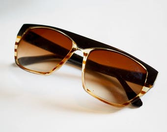 80s Two-Tone Tortoise Shell Oversized Sunglasses - Futuristic Flat Top