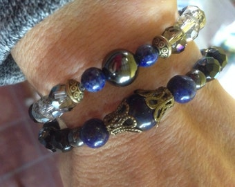 "Bracelet of the season: ""the winter"" with hematite, lapis lazuli, faceted glass beads. Bracelet double mounted on elastic"