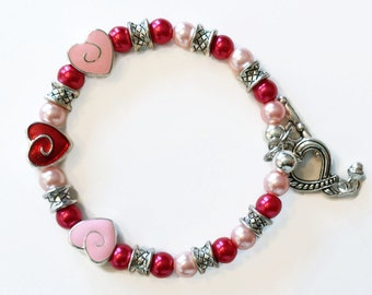 Beaded heart bracelet,Romantic Jewelry,Memory Wire bracelet,Girlfriend Bracelet,Valentines Jewelry, Gifts for her