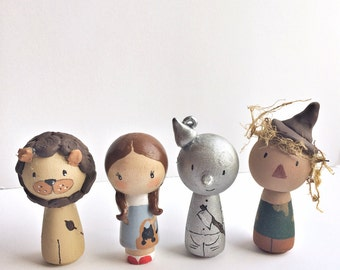 Wizard of Oz kokeshi peg doll set