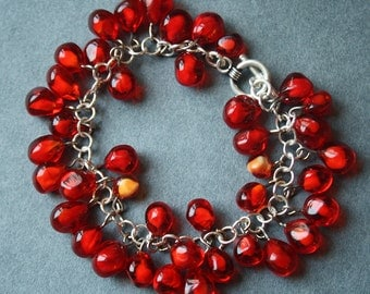 Red Garnet Berries Bracelet - Bright Pomegranate Seeds - Handcrafted Glass Lampwork - Silver Chain and Lock - Rich saturated juicy