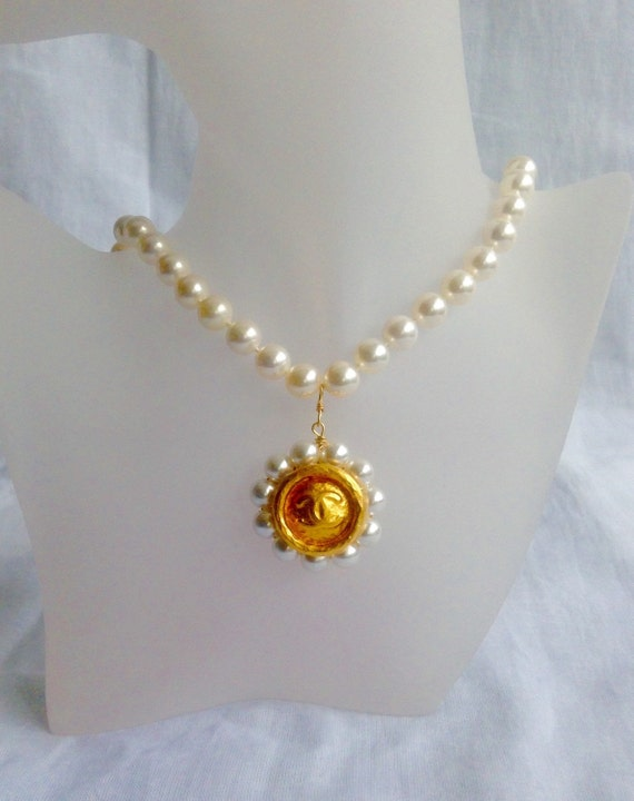 Vintage soft water pearl necklace, pendant necklace, button necklace