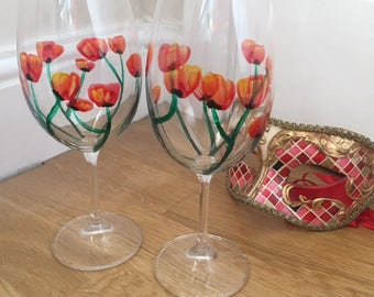 Set of two hand painted wine glass - poppy field