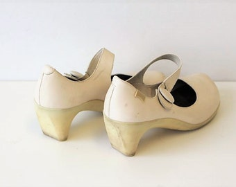 CAMPER Mary Jane Pumps  White Mary Janes  , leather, White womens shoes , size 40, UK 6.5. USA 8.5