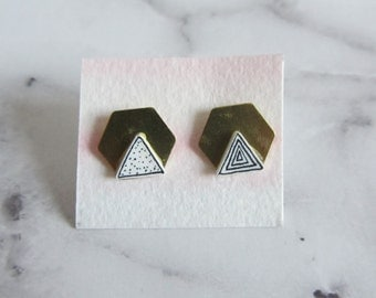 Studs with graphic patterns on brass plate/handmade/hand drawing/lines/gold/graphic/Hexagon/triangle/black white