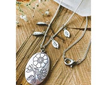 Silver Meadow Leaf Necklace