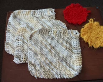 3 hand knitted dish cloths & 2 scrubbies