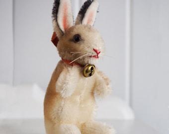 Steiff Begging Bunny