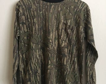 1980s REAL TREE CAMO Longsleeve Distressed Vintage T Shirt // Size Large