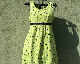 Vintage 1960s Green Dress For Teens & Juniors / Floral / Mod / Green Dress / Lime Green / Mod / Mid Century / Flower Power /60s Dress /Lunch