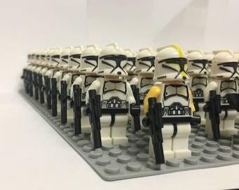 Star Wars Clone Trooper Army Master Yoda + 32 x 32 baseplate