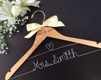 CUSTOM Wedding Hanger with date, Bridal shower gifts, Bridal Hanger,Personalized Hanger,Bridesmaid Hangers,Custom Made Hanger,Mrs Hanger