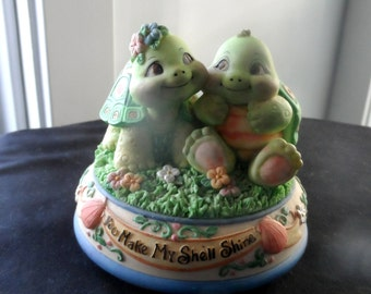 """Turtles Music Box """"You Make My Shell Shine"""" Song """"True Love""""  Gift of Love, Valentine's Day    708"""