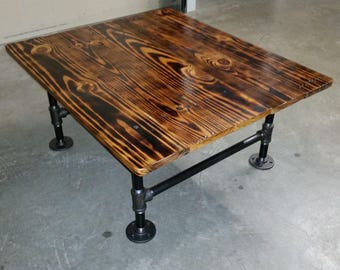 Attractive Rustic Industrial Reclaimed Pallet Wood Coffee Table With Black Pipe Legs