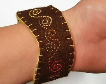 Felt cuff bracelet