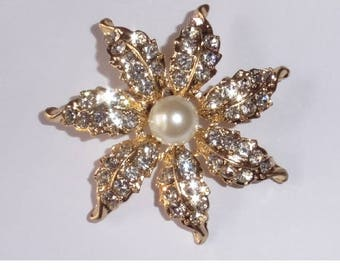 Gold Plated Brooch. Rhinestones and Faux pearl.
