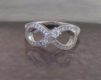 Romantic silver ring and CZ