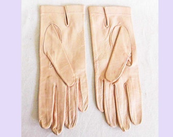 Vintage 1950's New Old Stock Pink Kid Leather Gloves Size 8 Cavabill or Cavahill NOS