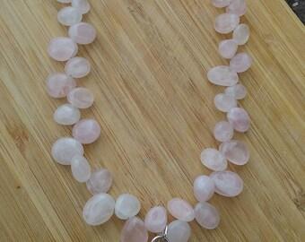 Rose quartz necklace with Swavorski crystals