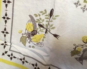 Vintage Farmhouse Tablecloth/Yellow/Grey/Oblong