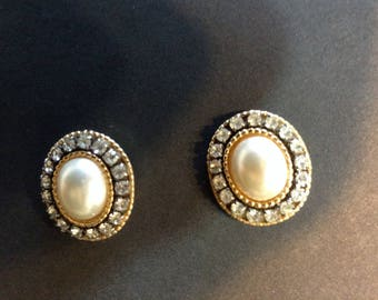 Classic vintage earrings - clear rhinestone and pearl on blacked gold tone