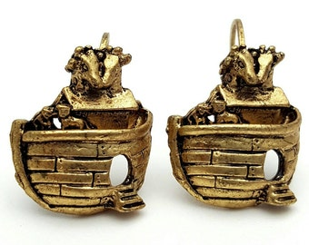 Small Noah's Ark Gold Tone Drop Earrings Vintage from the 90s Dangle Cute girl's gift Animals pets Bible First Testament Genesis Flood Boat