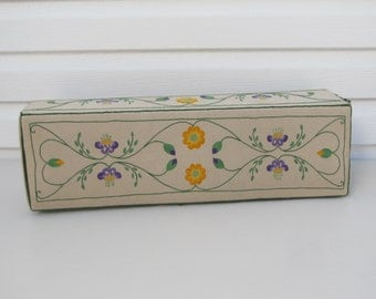 Vintage Linen Embroidered Glove Or Doll Storage Box, Arts And Crafts Styled  Jewelry Box,