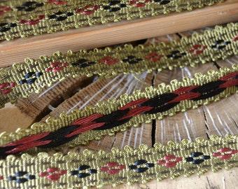 scalloped trim/upholstery trim tape/drapery border/braided trim/olive green/rusty red/black