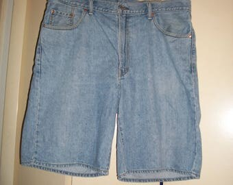 Vintage Levi's 550 Light Wash Denim Shorts Size 40