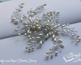 Wedding hair jewelry, hair comb with pearls and transparent beads, bridal comb silver