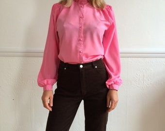 Vintage blouse from 80's in pink. One size.