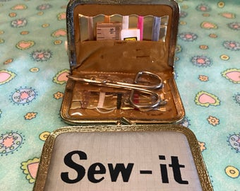 Vintage Travel Sew It Kit ~ Sewing Kit Purse Accessories
