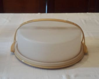 Vintage Tupperware Pie Keeper Harvest Gold