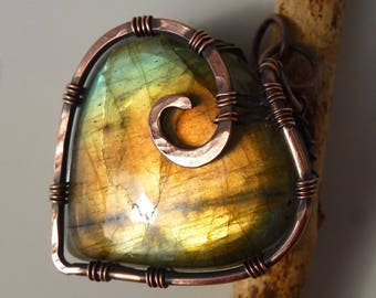 Labradorite pendant with 32mm, Labradorite, pendant - wire wrapped heart spiral