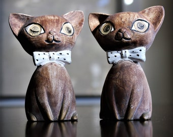 Vintage Winking Eye Cats Salt and Pepper Shakers - Made by Lego 1960s - Mid-Century Mischief