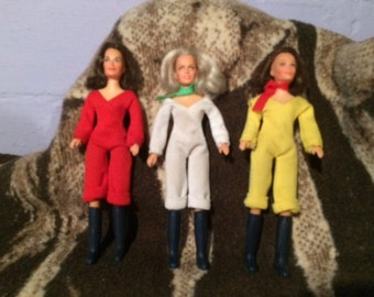 FREE SHIPPING!!!! Hasbro Charlie's Angels dolls w/ extra clothes and boot