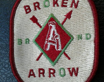 True Vintage 1980's Broken Arrow Patch Embroidered Oval Nice Graphics