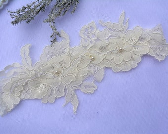 Ivory Garter, Ivory Lace Garter, Wedding Gift Ivory, Garter Set, Ivory Garter Belt, Wedding Garter in Vintage, Boho Wedding, Bridal Garter