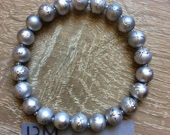 Bracelet matte silver beads speckled gloss Pearly bracelet, matte silver speckled beaded shine mottled