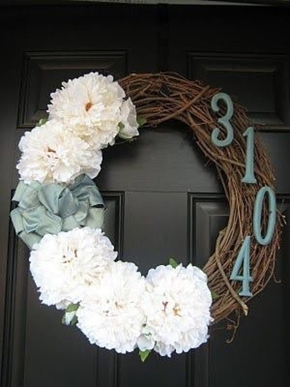 Cute wreath with house number and flowers! Completely customizable and made to order!